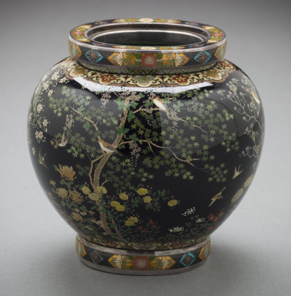 Vase in der Sammlung des Namikawa Cloisonné Museums Kyoto