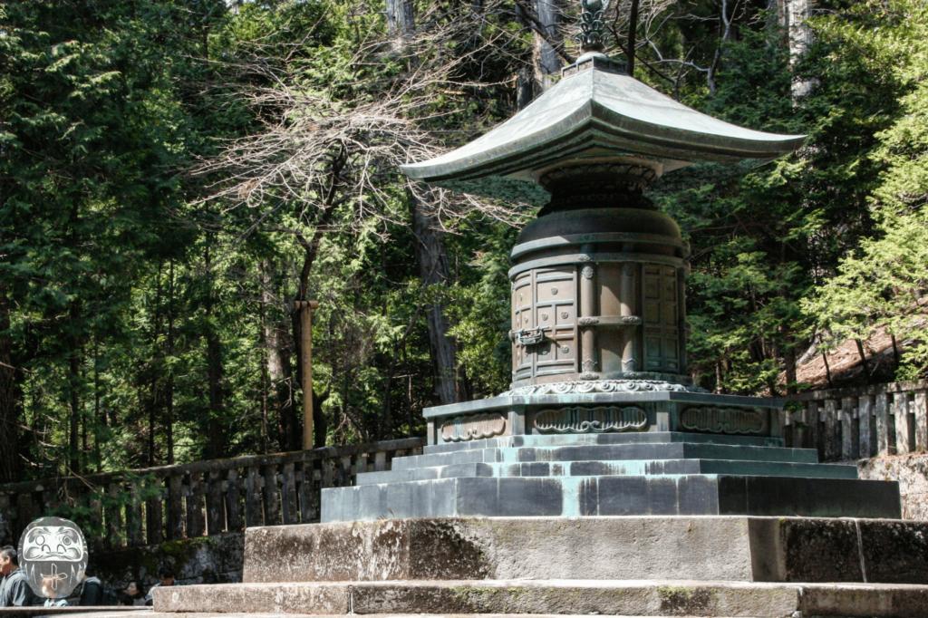 Urne Ieyasus und seines Enkels Iemitsu im Okumiya des Toshogu
